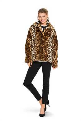 6359. Burda -  WOMEN'S FUR COAT